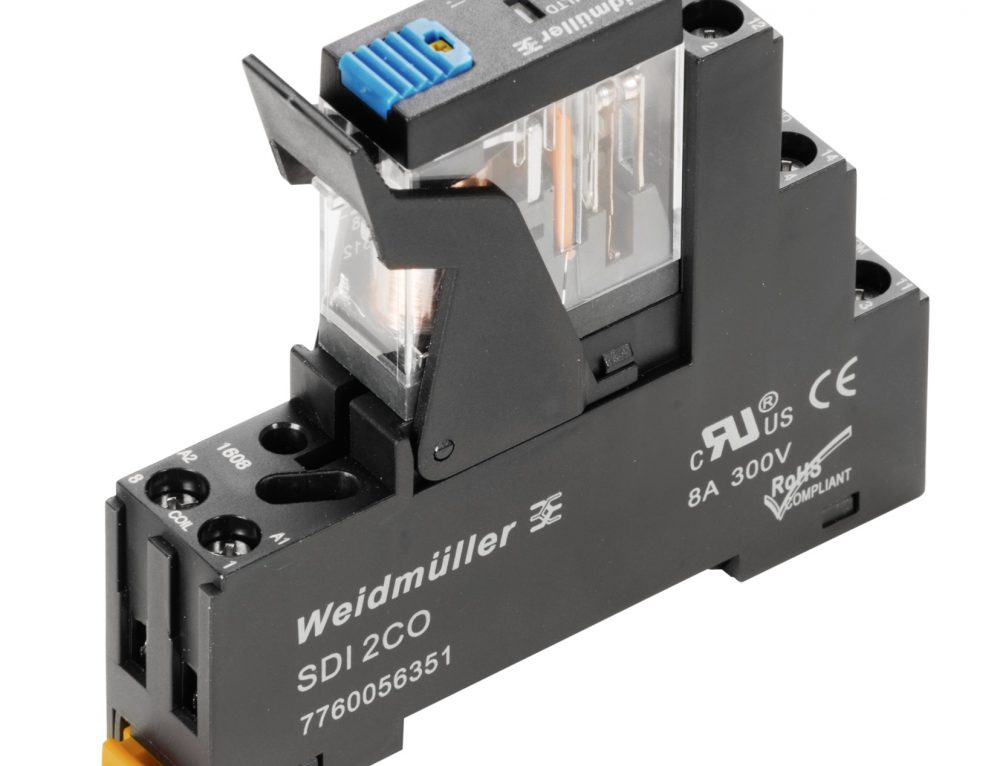 Compact DRI relays with plug-in pins